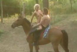 А вот и принц на коне — прокатил и поебал
