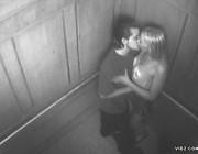 Скрытая камера в лифте