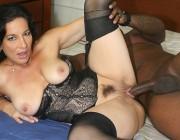 Melissa Monet кайфует от длинного чёрного хуя
