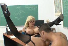Самая сексуальная учительница школы